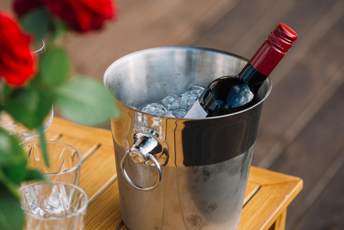Otázka klasika – chladiť či nechladiť červené víno?